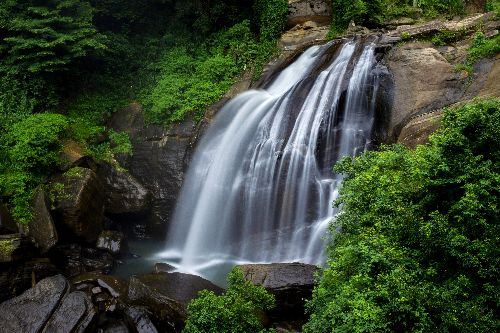 Hulugana Ella Falls